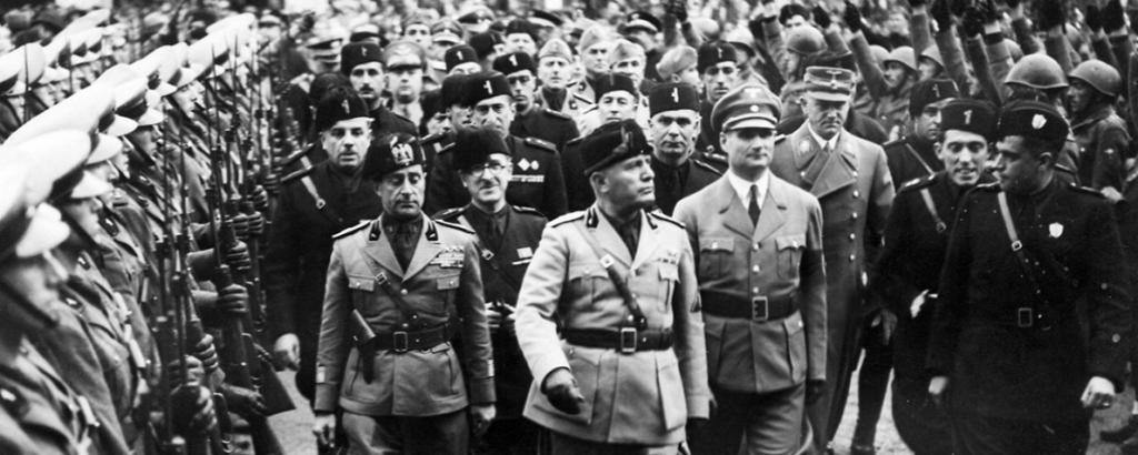 Crisi del 1929 in Italia - Il primo grosso problema che la dittatura dovette affrontare fu la pesante svalutazione della lira. La ripresa produttiva successiva alla fine della prima guerra mondiale portò effetti